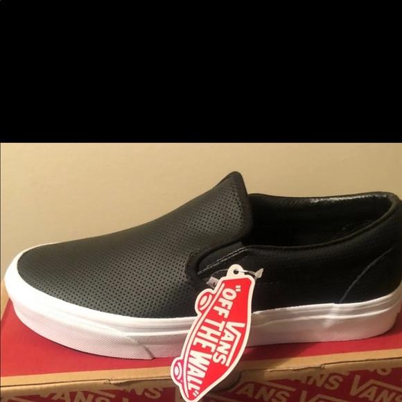 620983e2edcdc0 Leather Black classic slip on VANS